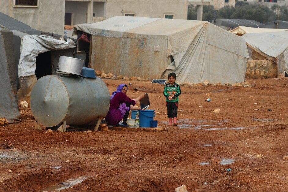 Katastrofální situace v Sýrii. Přes půl milionu lidí na útěku.
