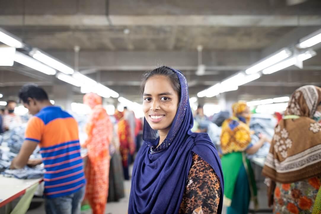 Made in Bangladesh. Víte, kdo ušil vaše oblečení?